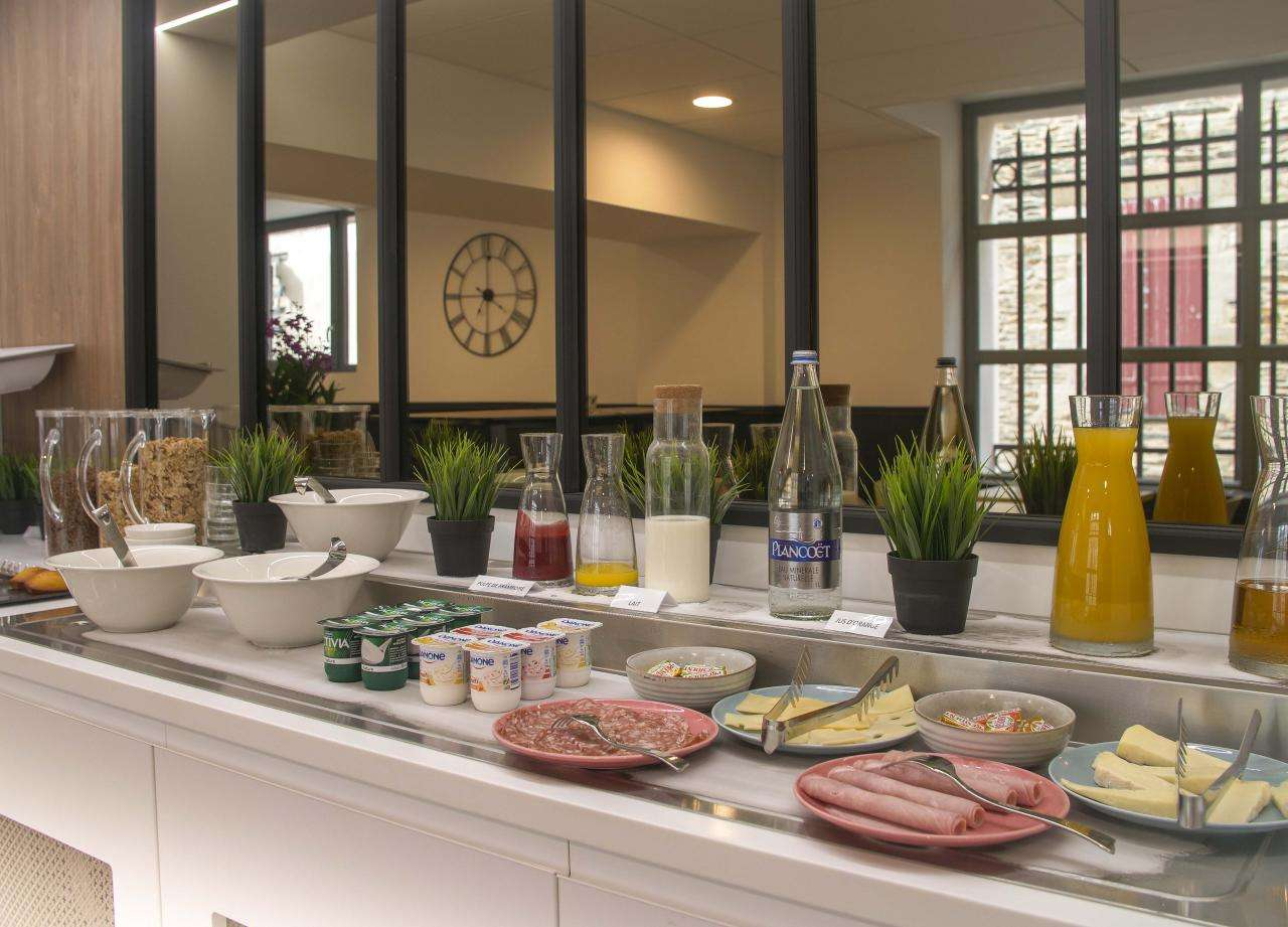 Le Magic Hotel & Spa Vitré  - breakfast